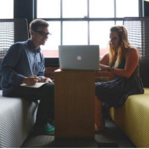 Banques : comment booster votre relation client ? by Teleperformance